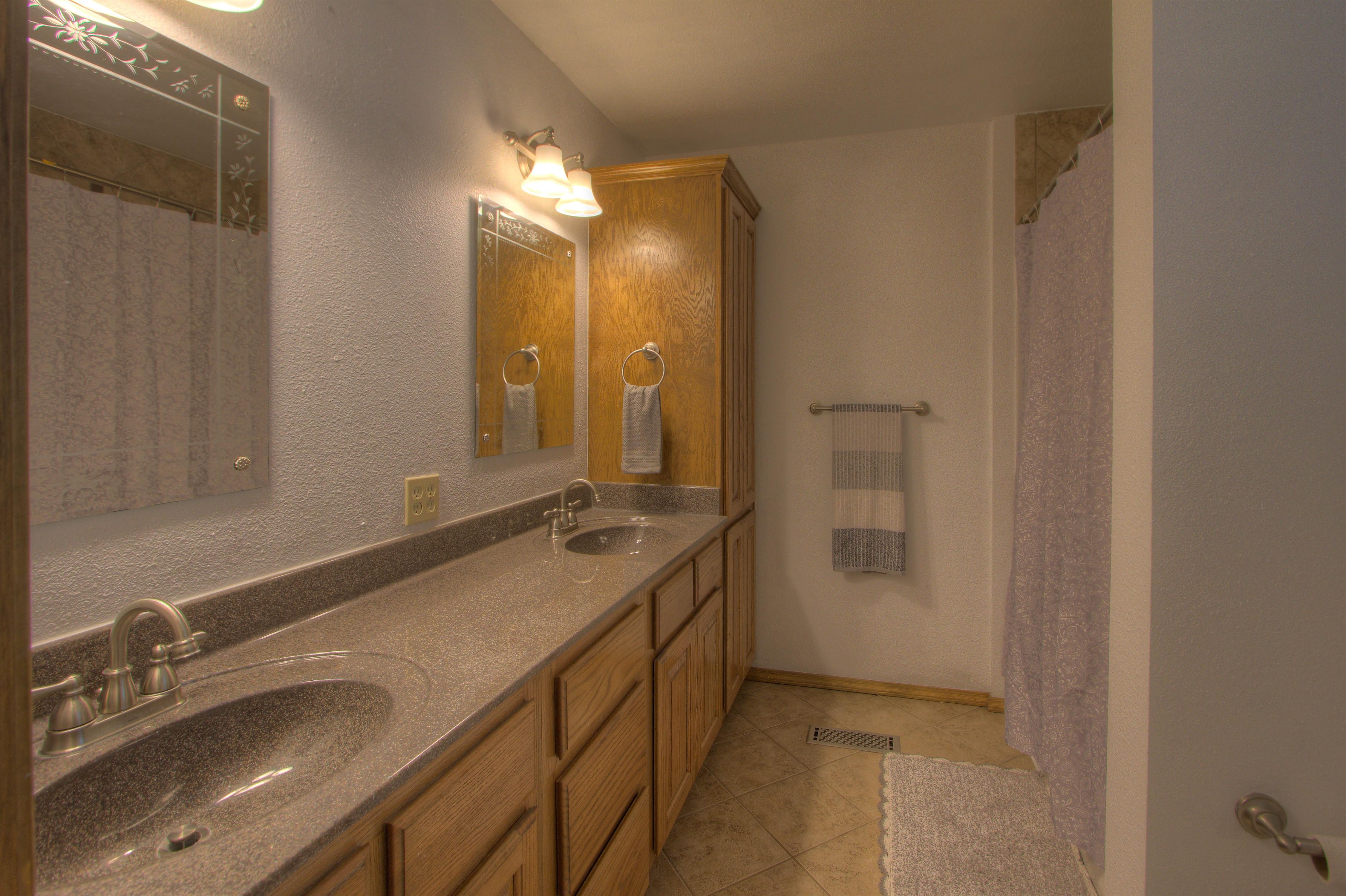 2095 N 255th Road Property Photo 12
