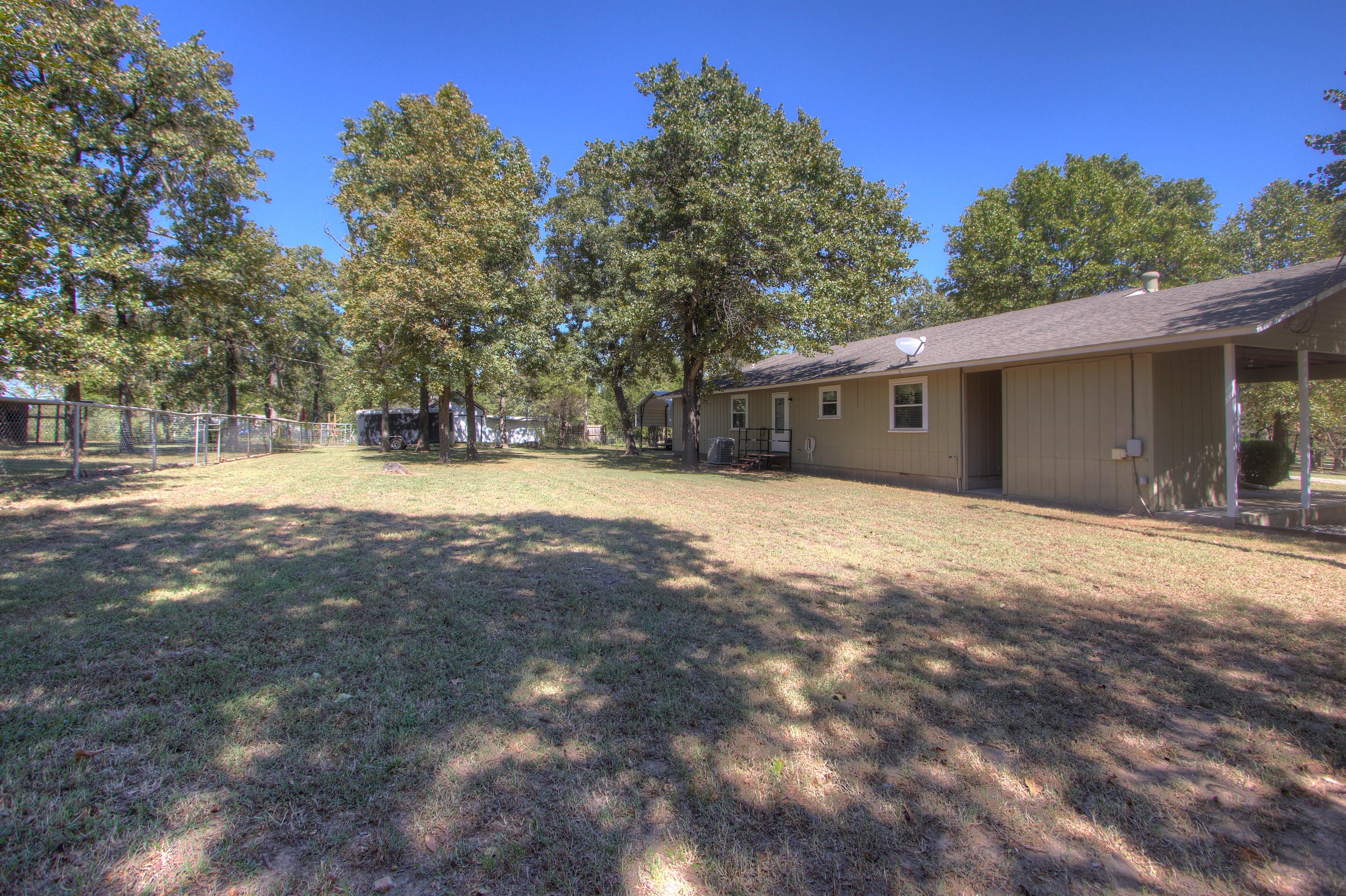 2095 N 255th Road Property Photo 24