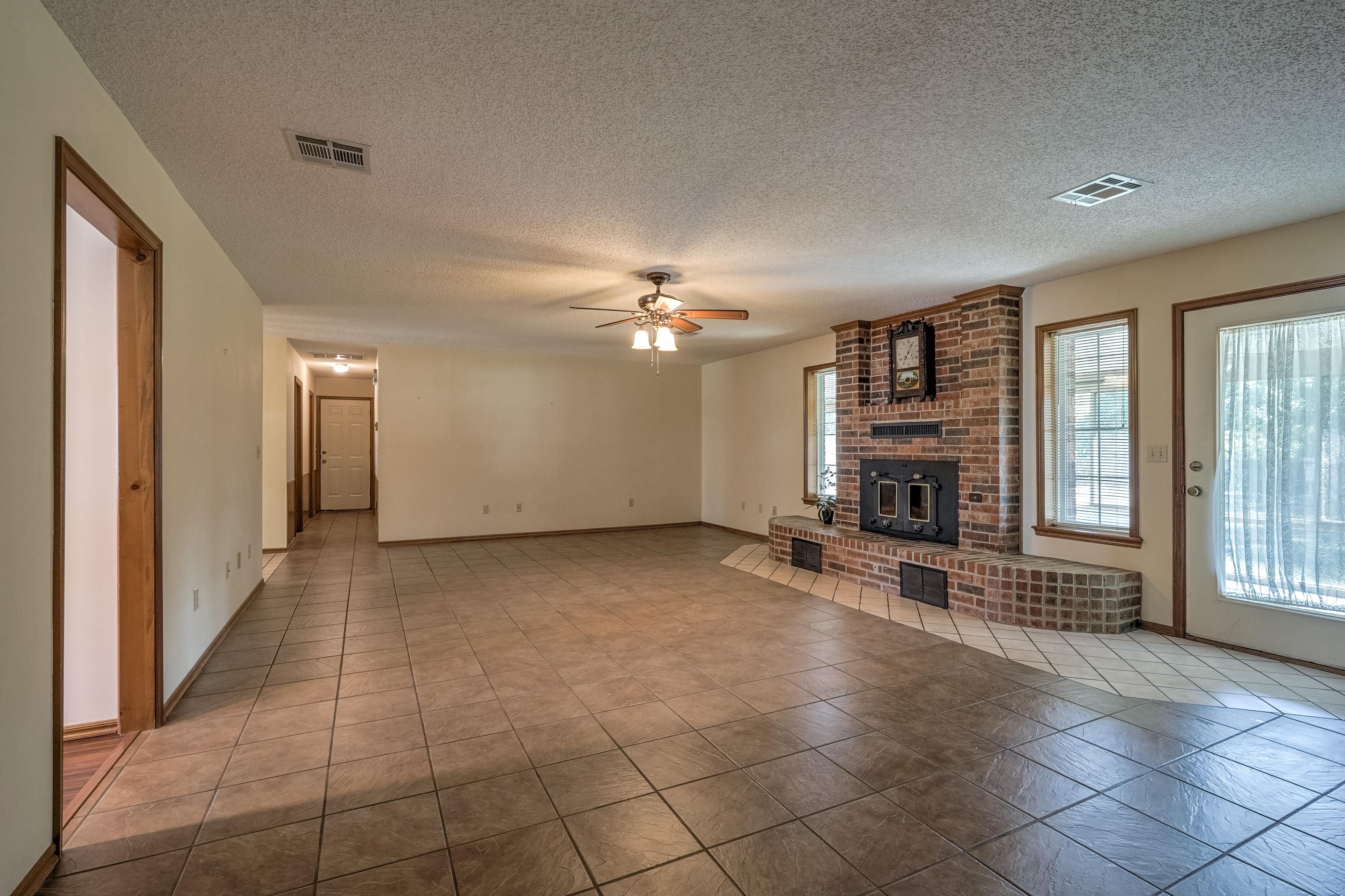 1212 19th Street Property Photo 7