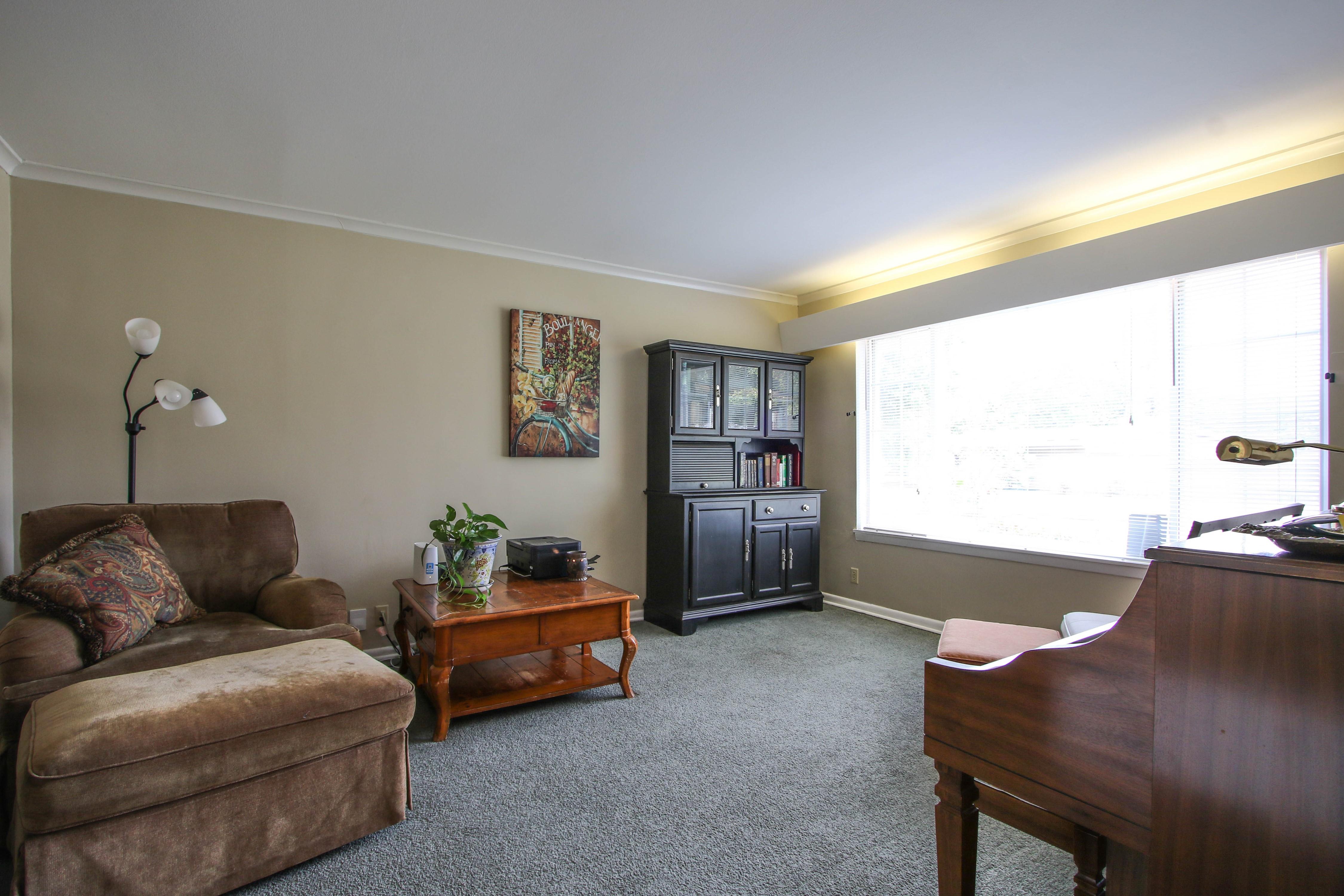 5416 S New Haven Avenue Property Photo 5