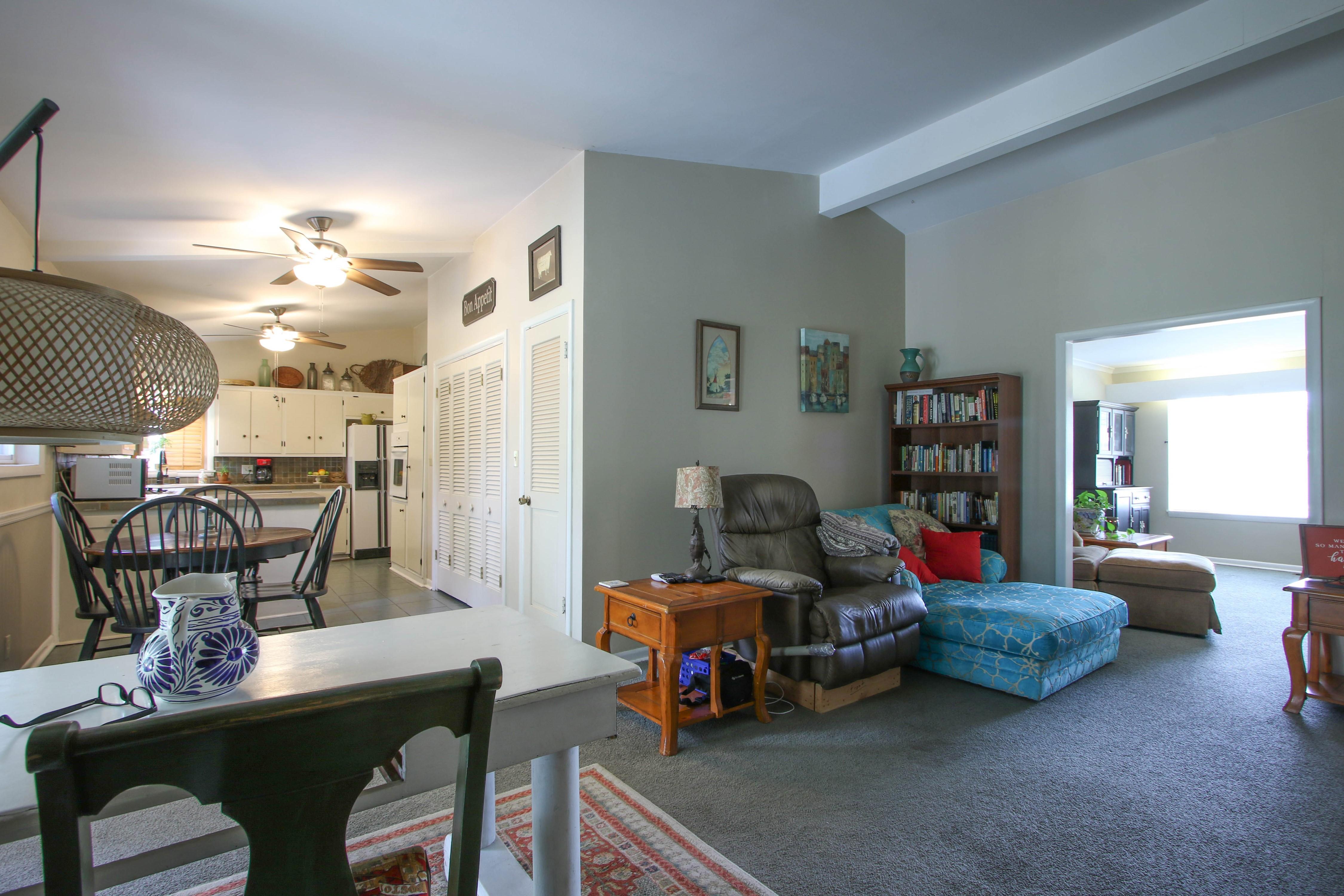 5416 S New Haven Avenue Property Photo 8