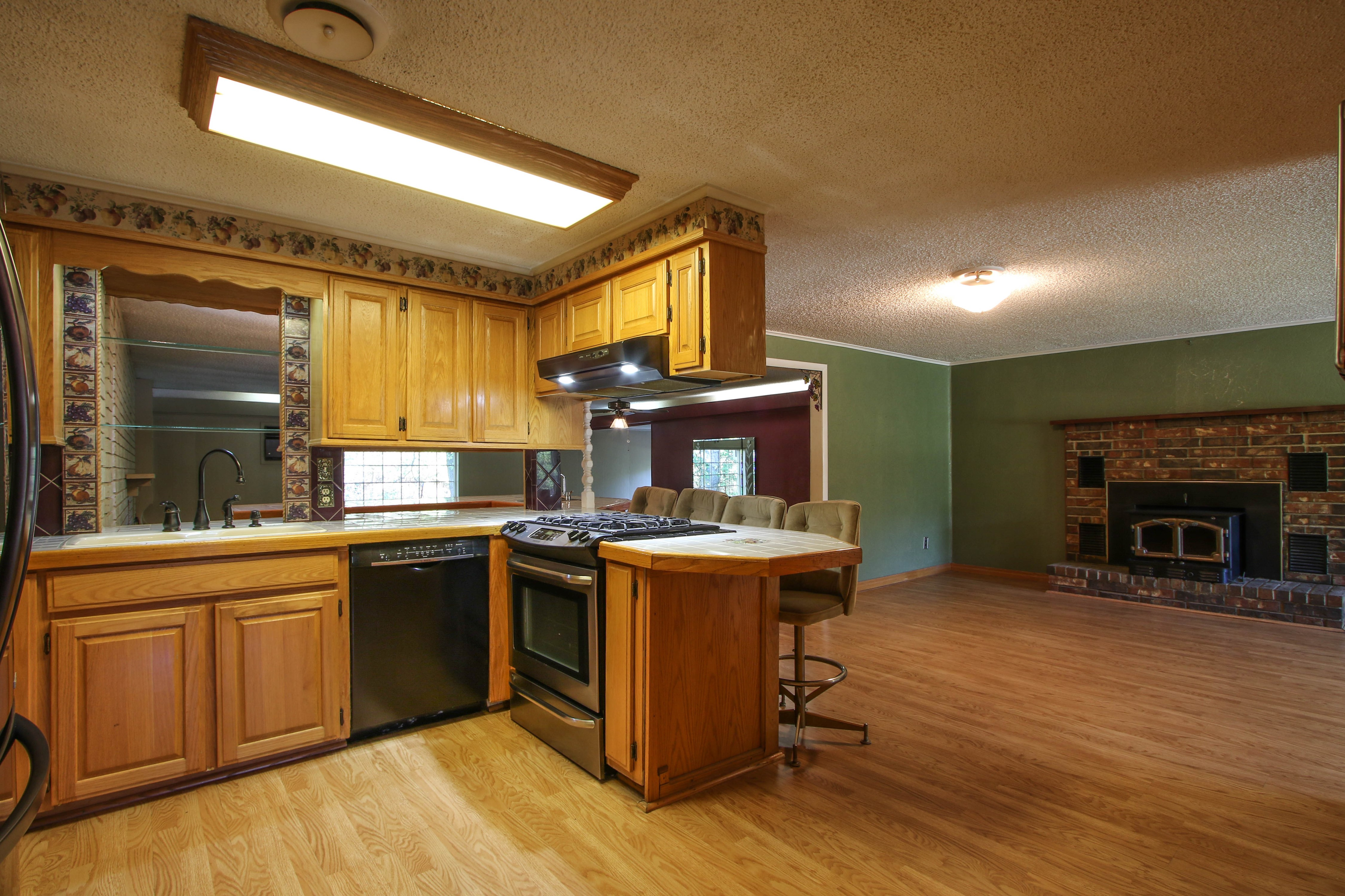 21766 Coffee Hollow Road Property Photo 5