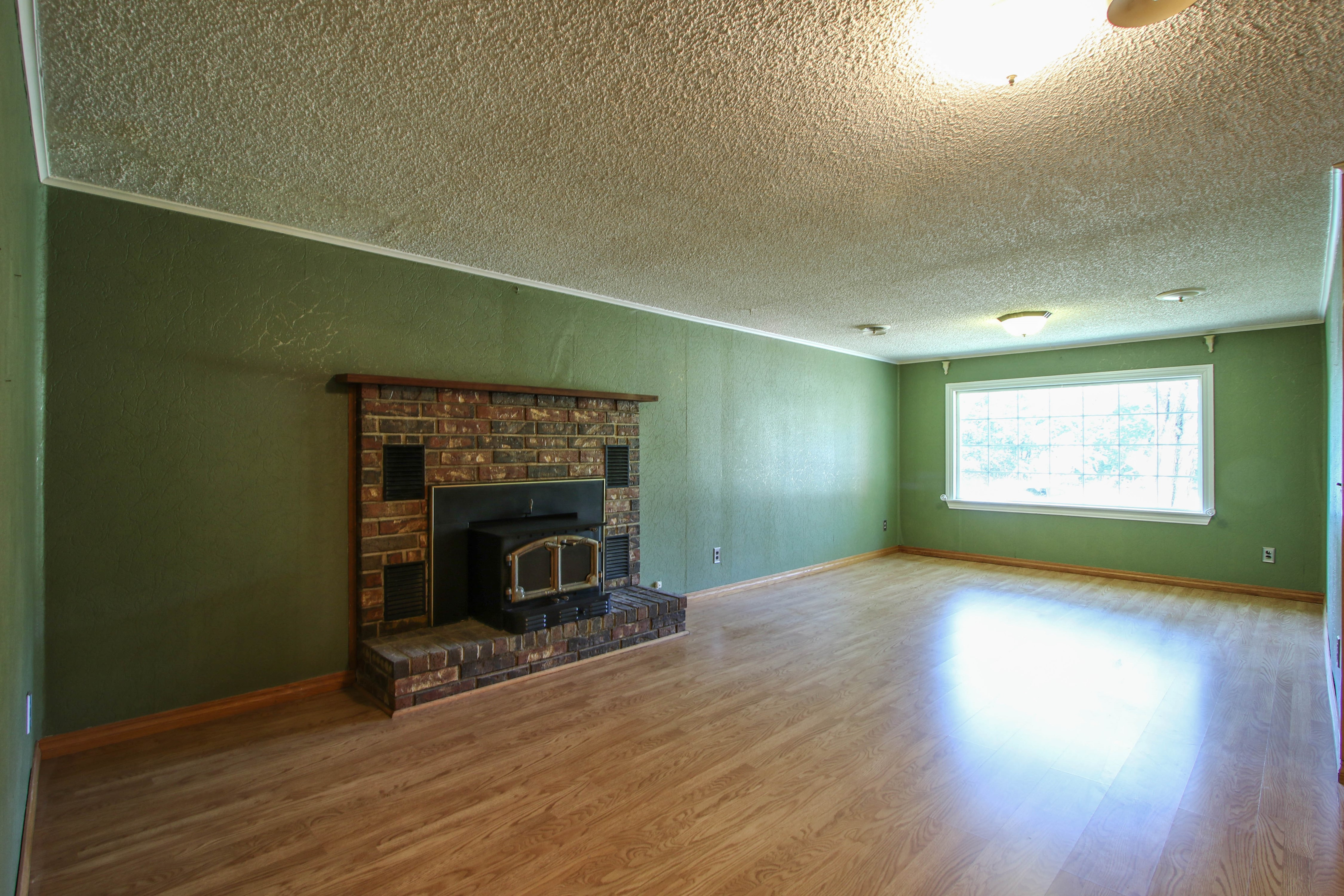 21766 Coffee Hollow Road Property Photo 10