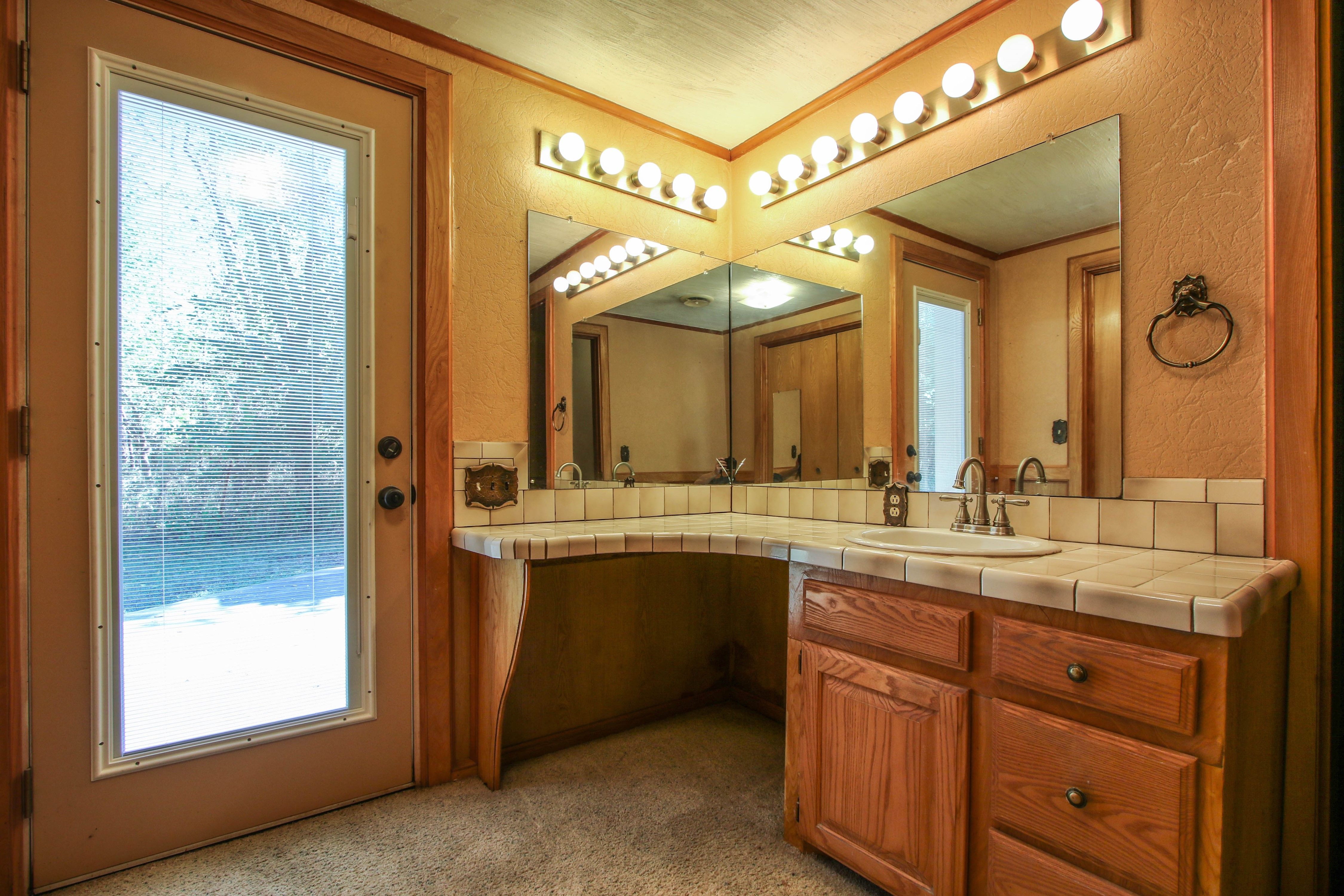 21766 Coffee Hollow Road Property Photo 22