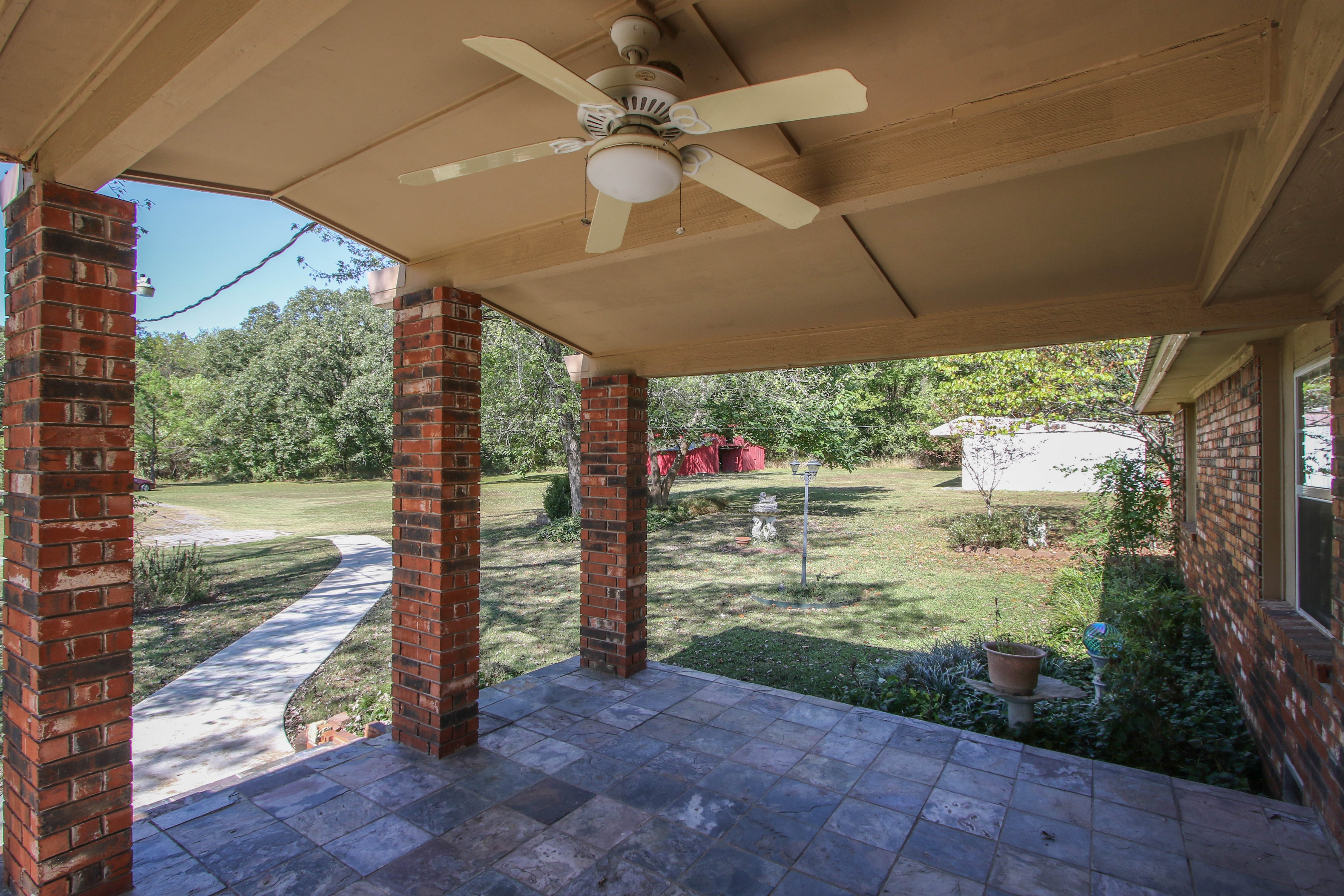 21766 Coffee Hollow Road Property Photo 3