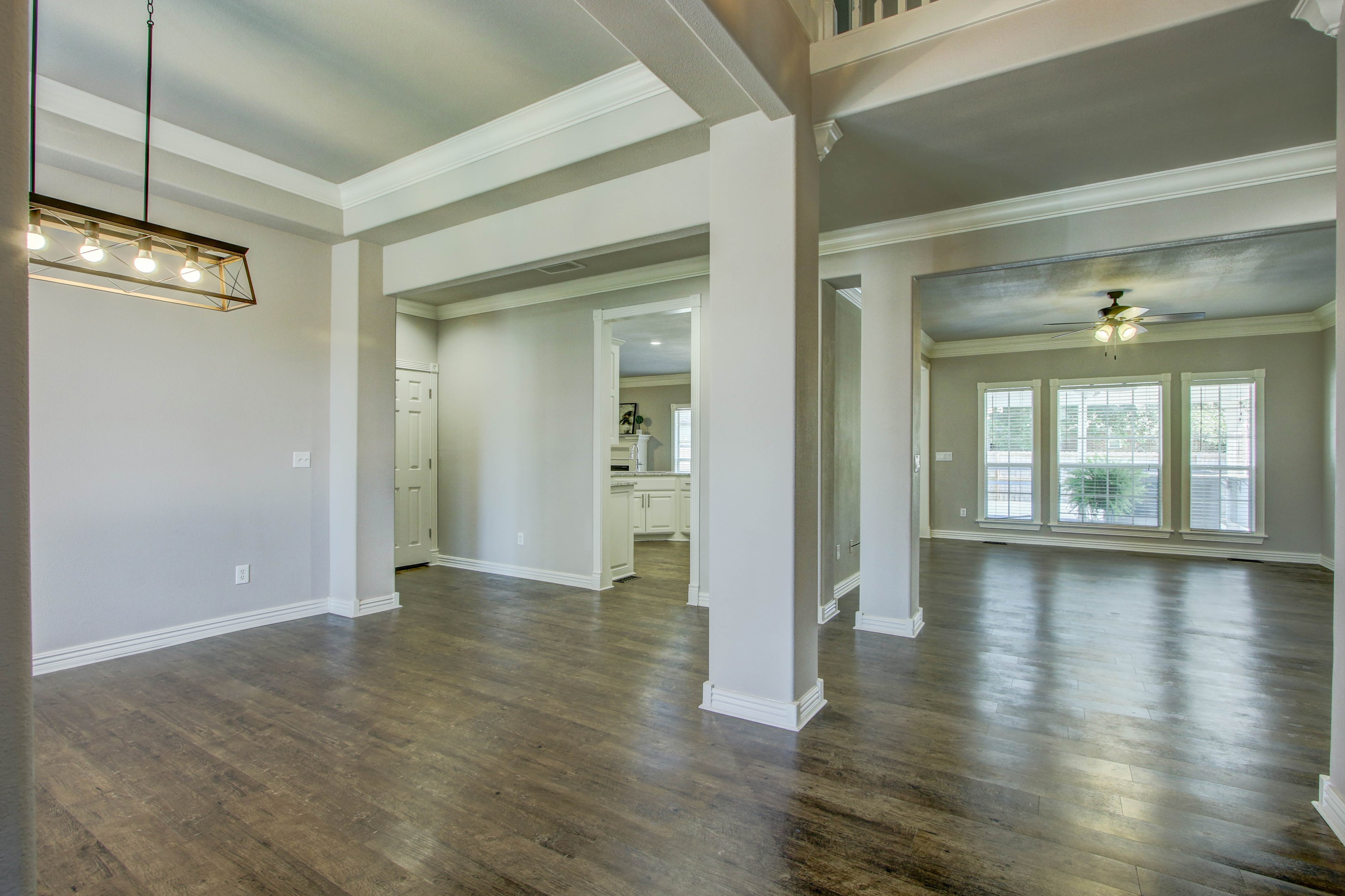 609 S Oak Avenue Property Photo 4