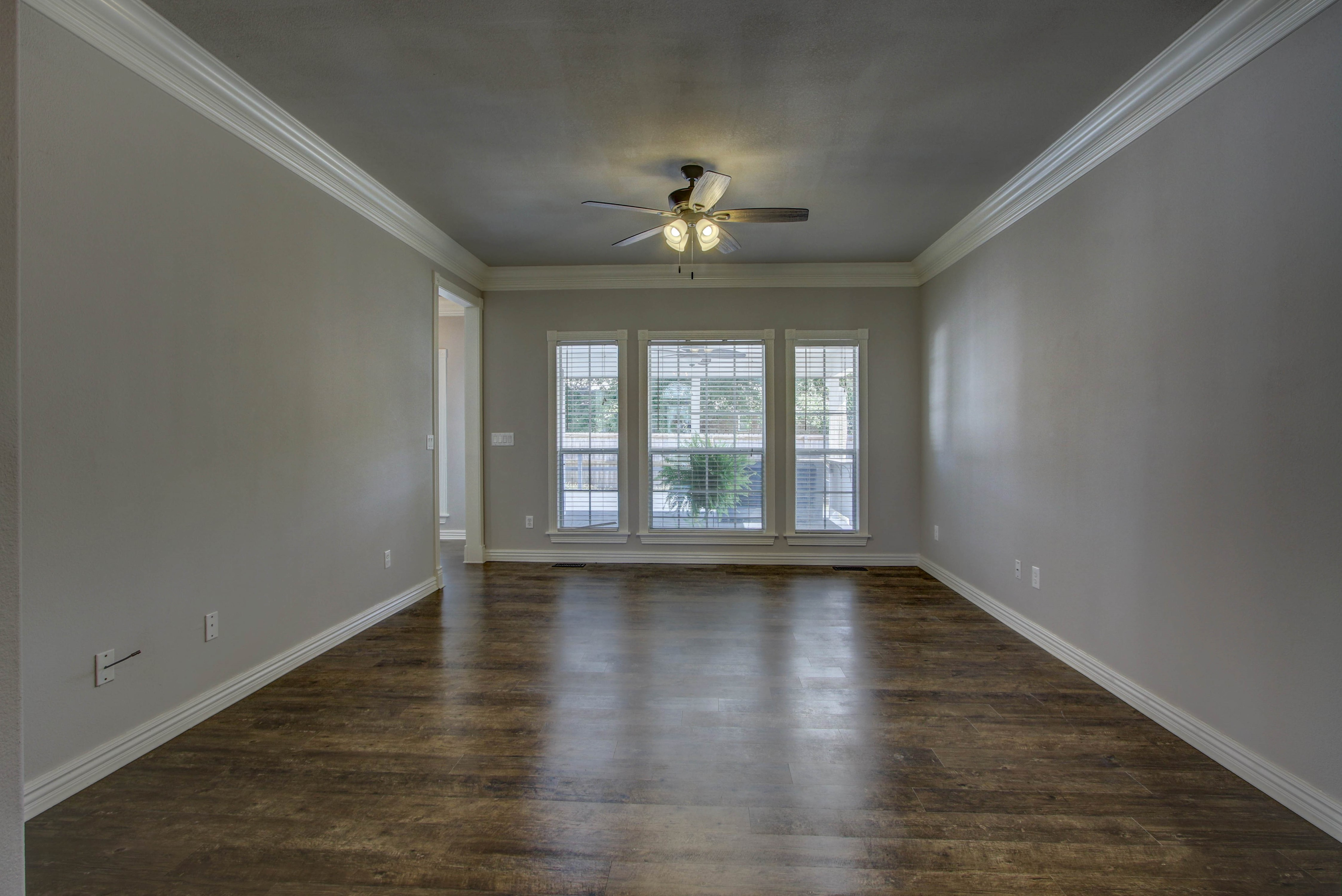 609 S Oak Avenue Property Photo 7