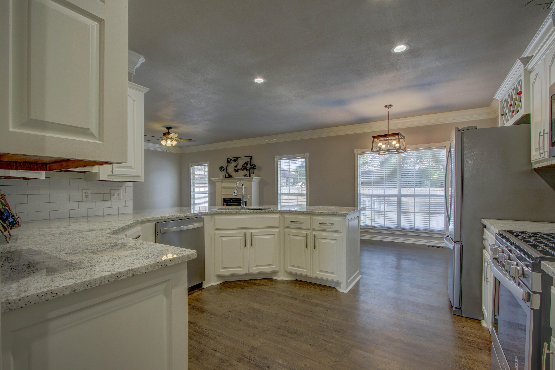 609 S Oak Avenue Property Photo 9