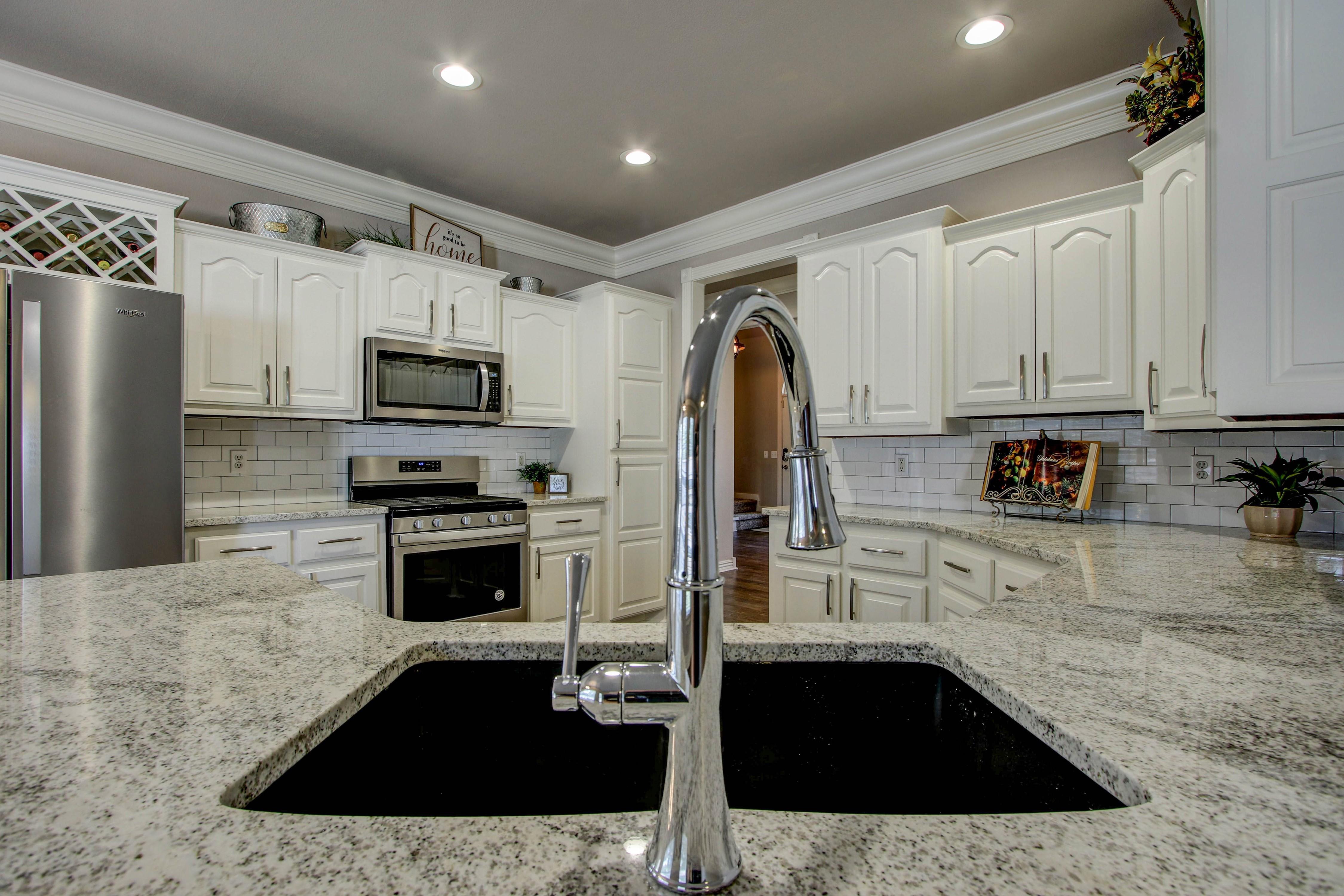 609 S Oak Avenue Property Photo 13
