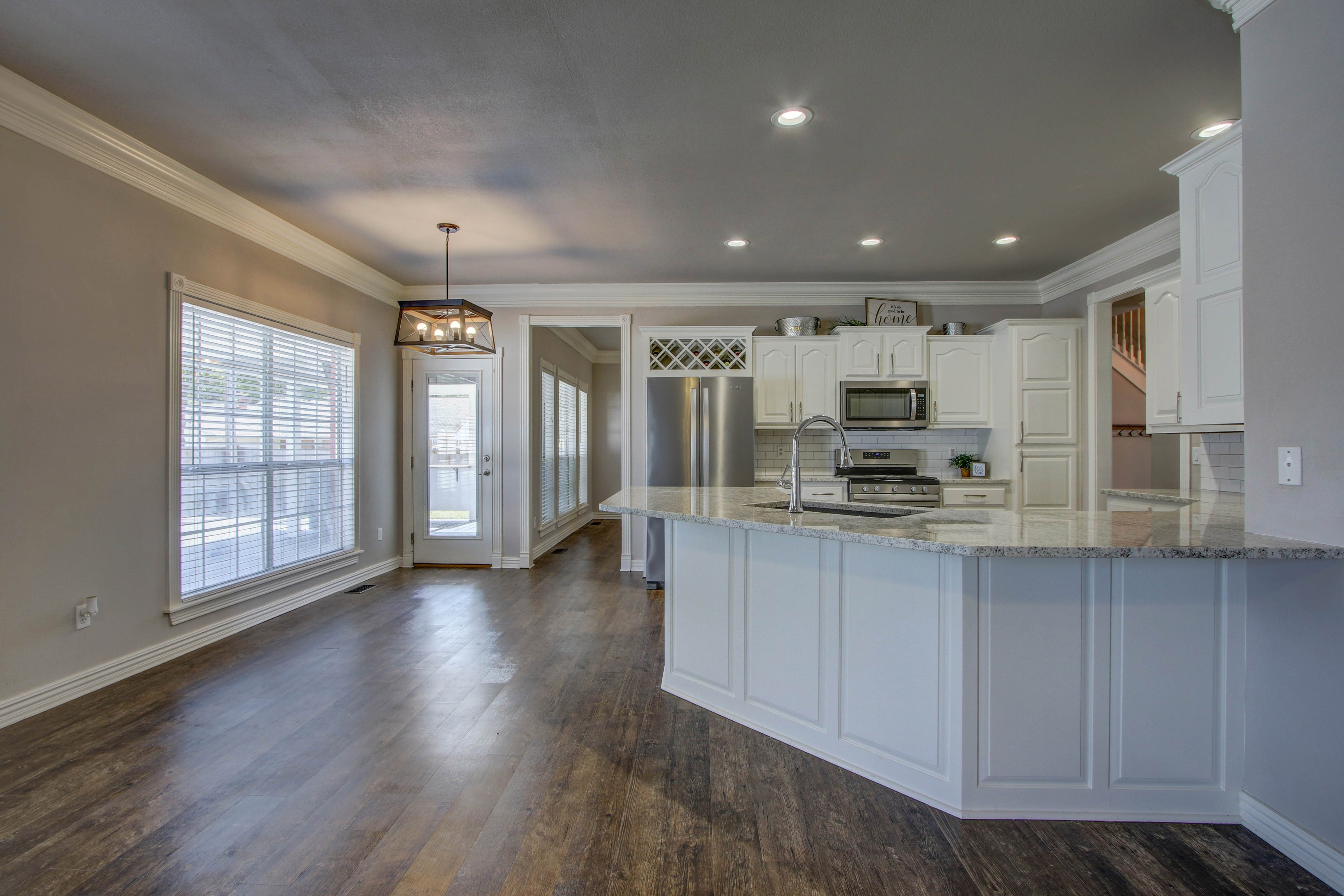 609 S Oak Avenue Property Photo 14