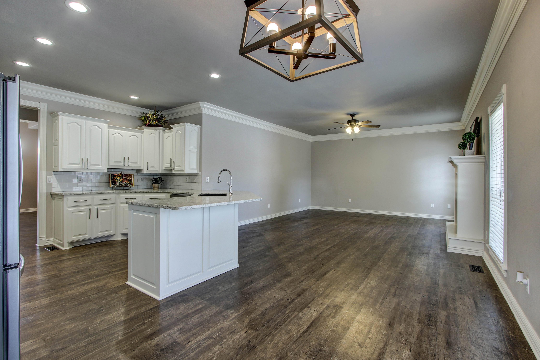 609 S Oak Avenue Property Photo 15