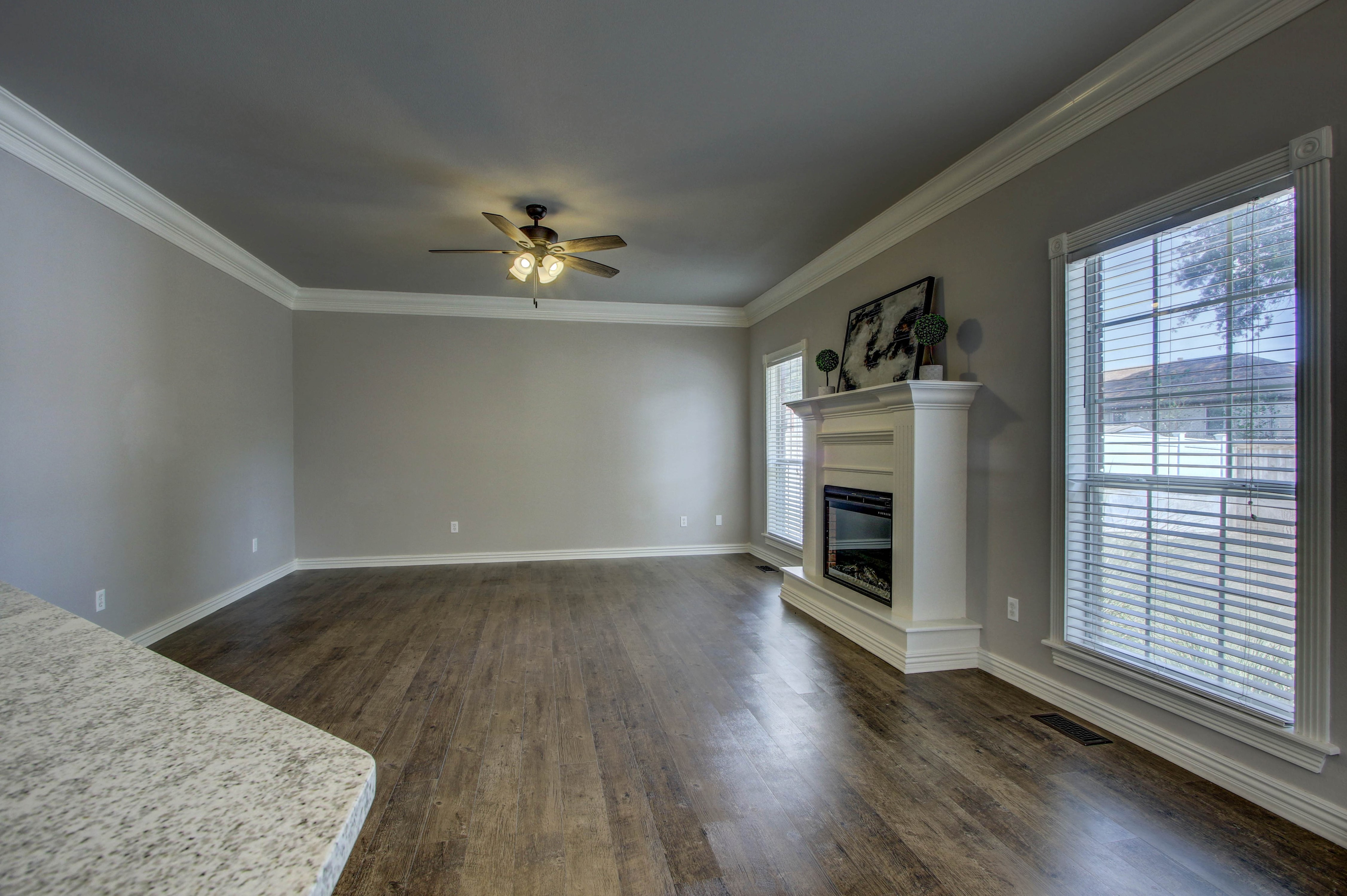 609 S Oak Avenue Property Photo 16