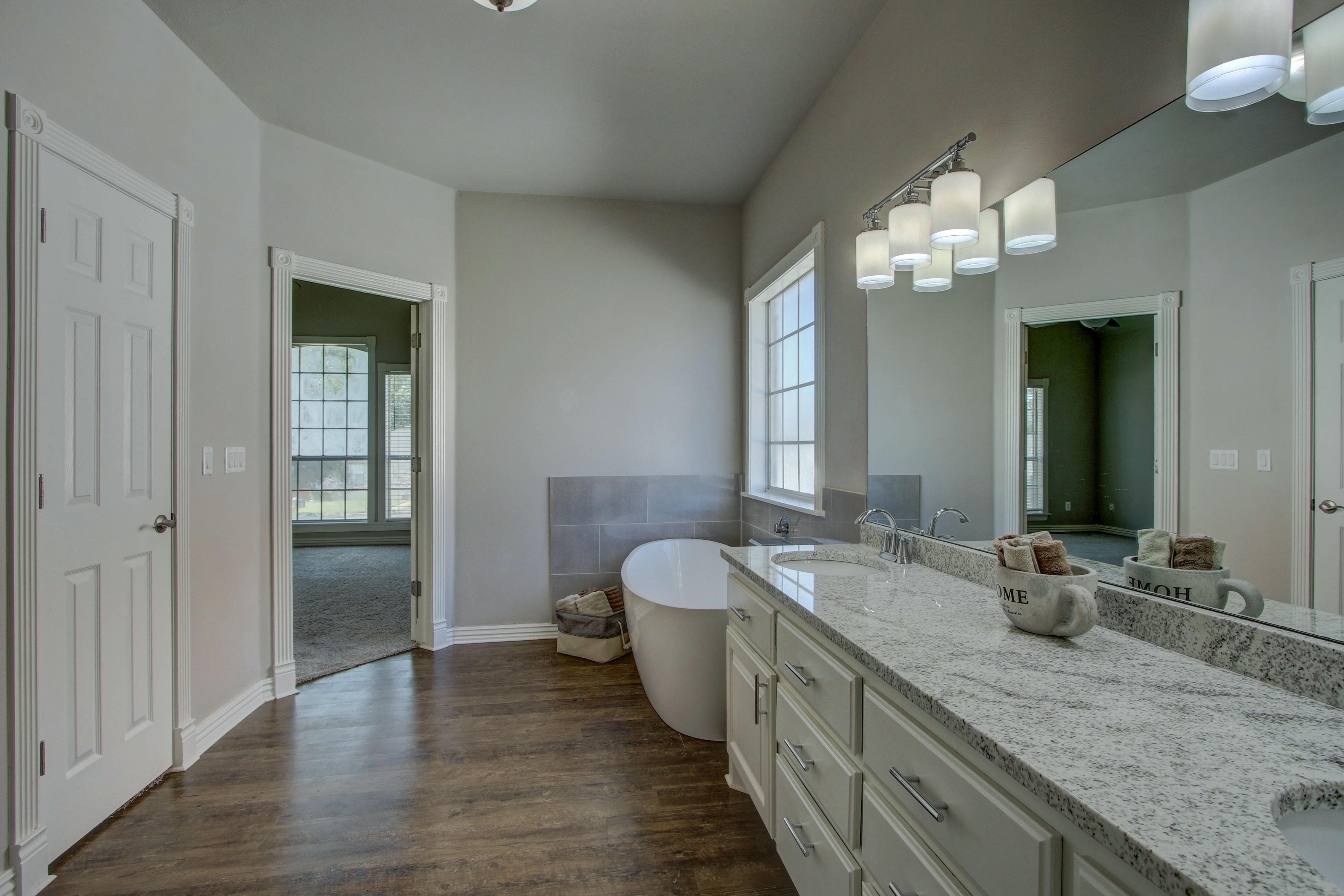 609 S Oak Avenue Property Photo 22