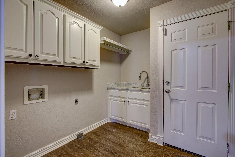 609 S Oak Avenue Property Photo 23