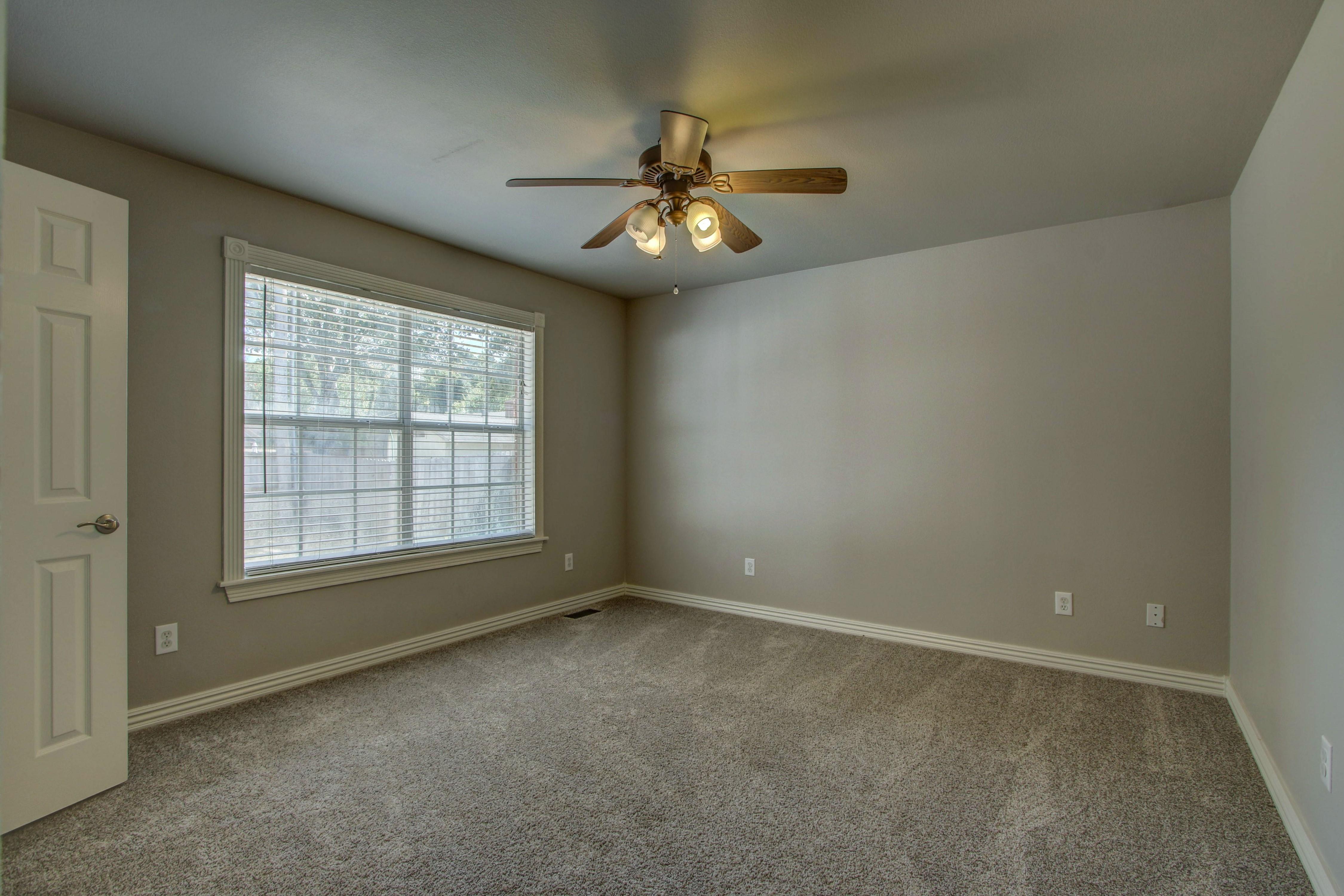 609 S Oak Avenue Property Photo 26