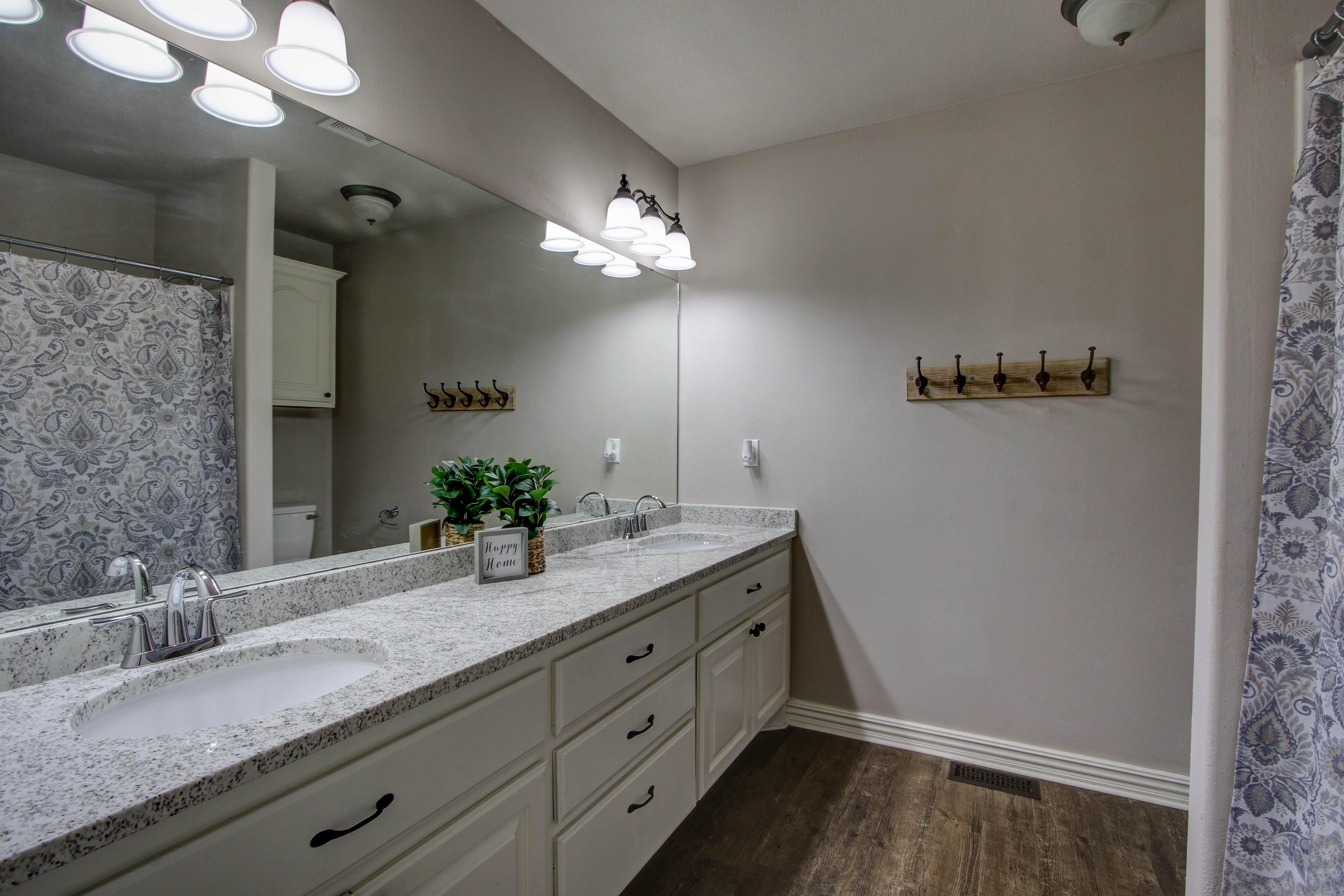 609 S Oak Avenue Property Photo 25