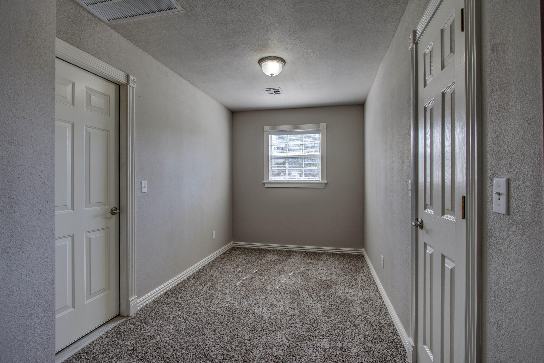 609 S Oak Avenue Property Photo 27