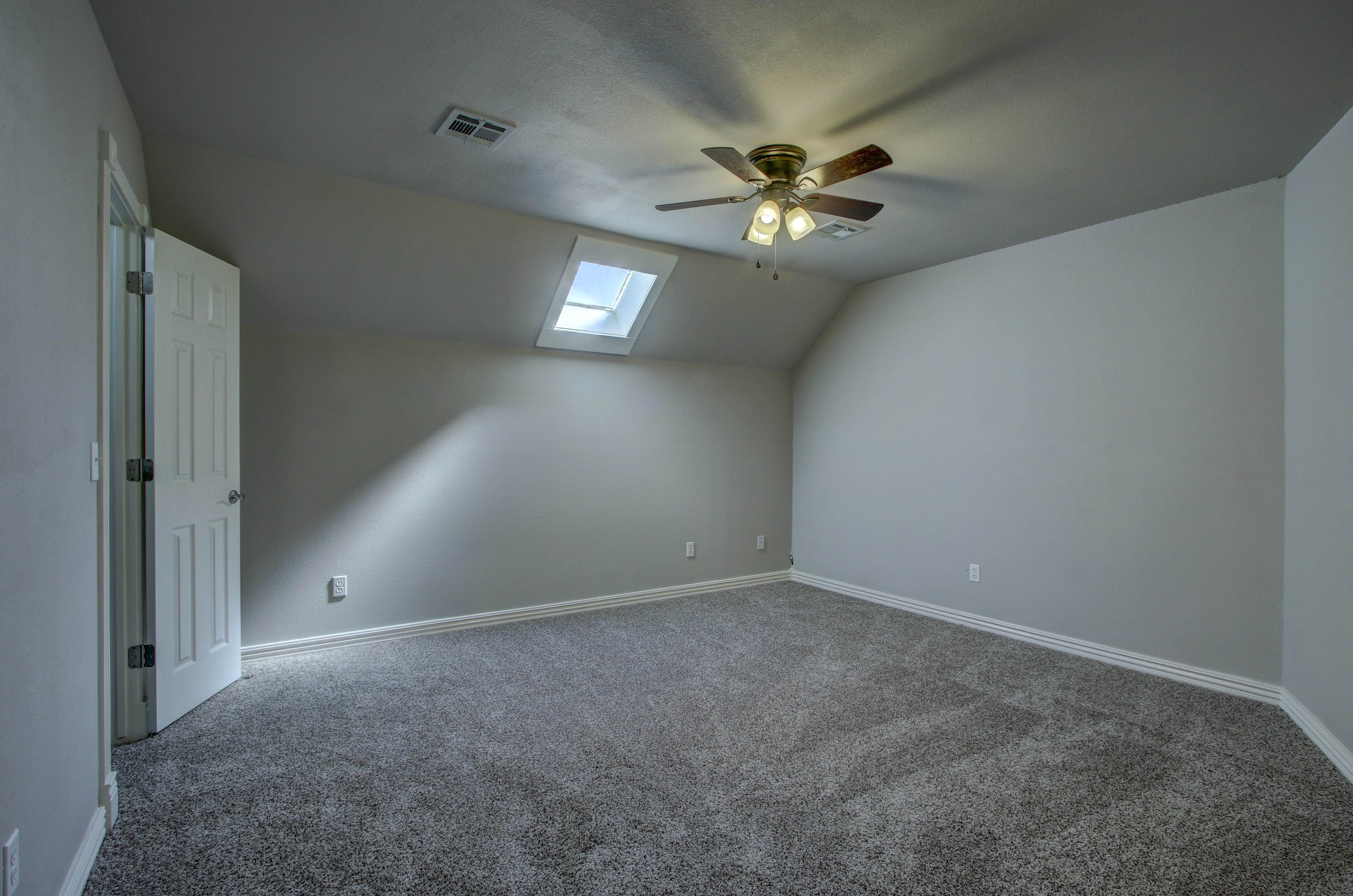 609 S Oak Avenue Property Photo 30