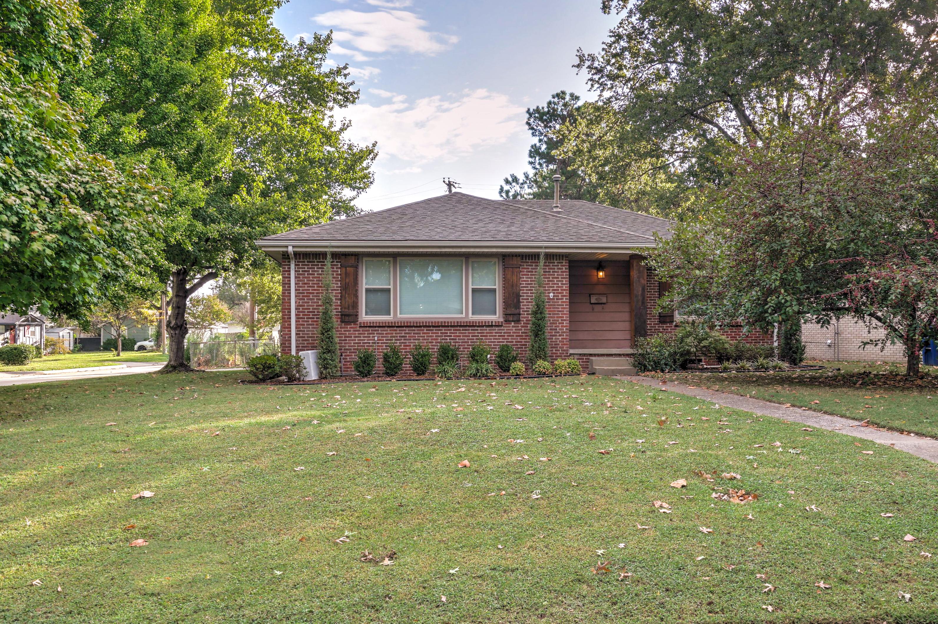 3805 S Jamestown Avenue Property Photo 1