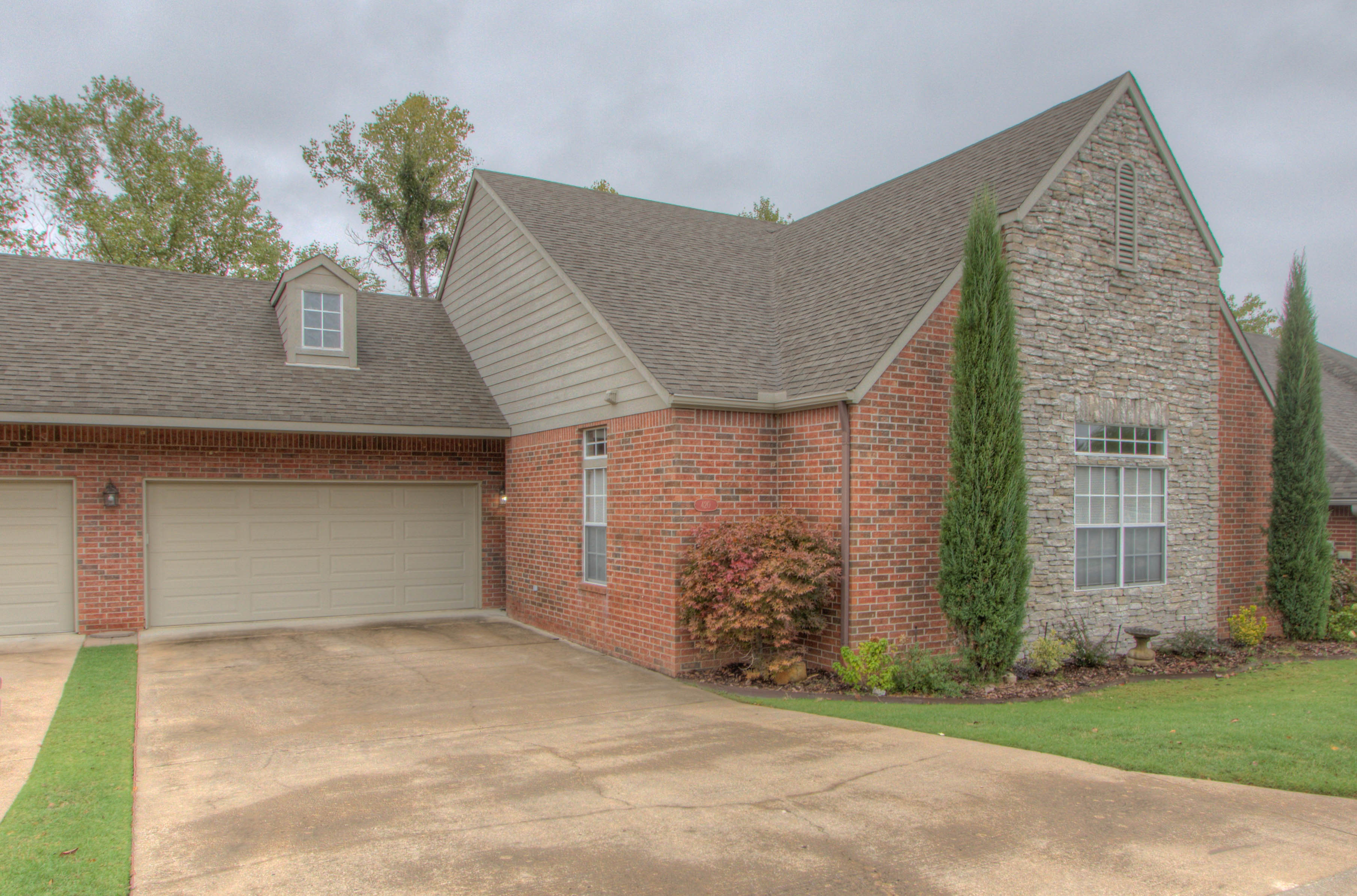 420 Fox Wood Drive Property Photo 1