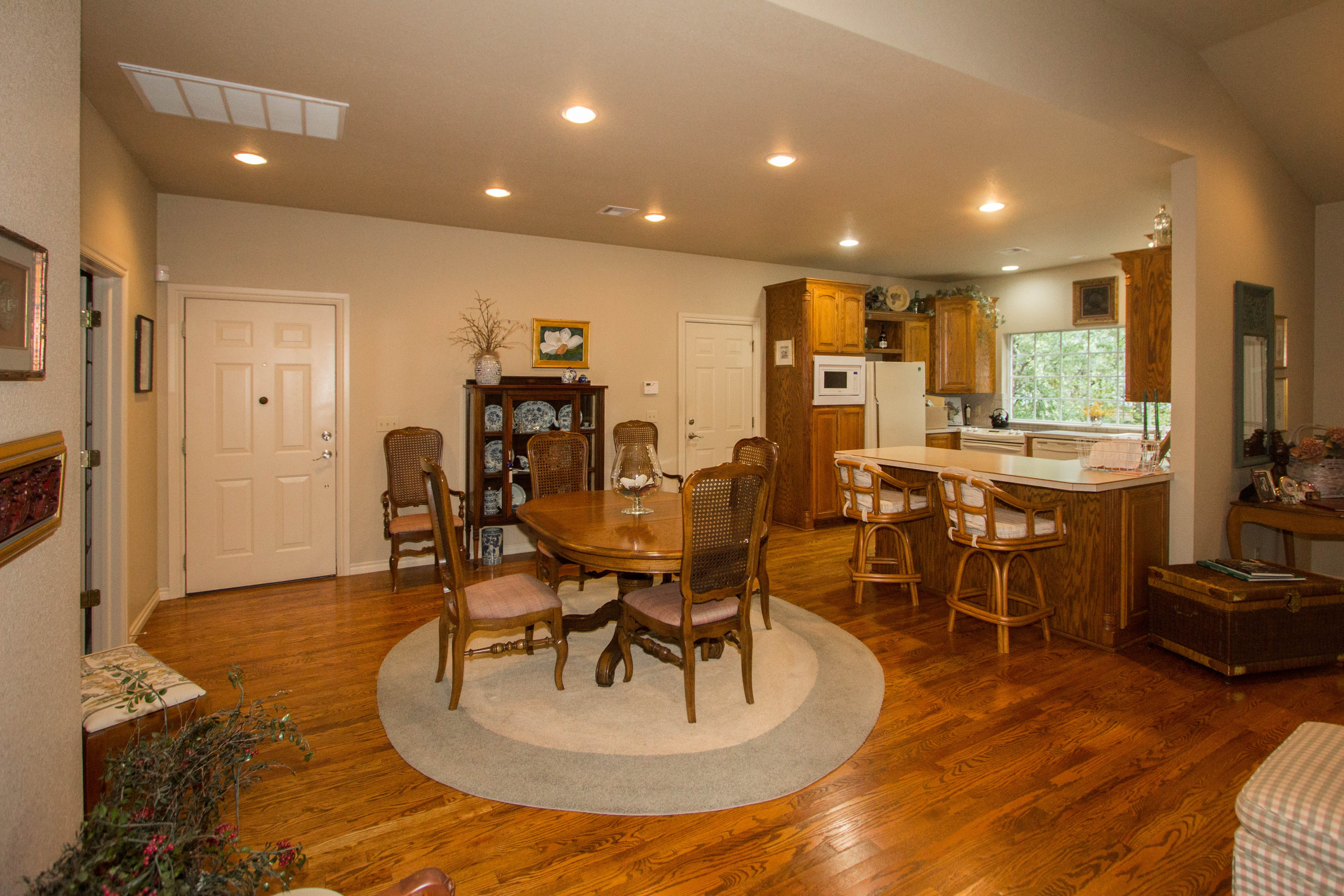 420 Fox Wood Drive Property Photo 8