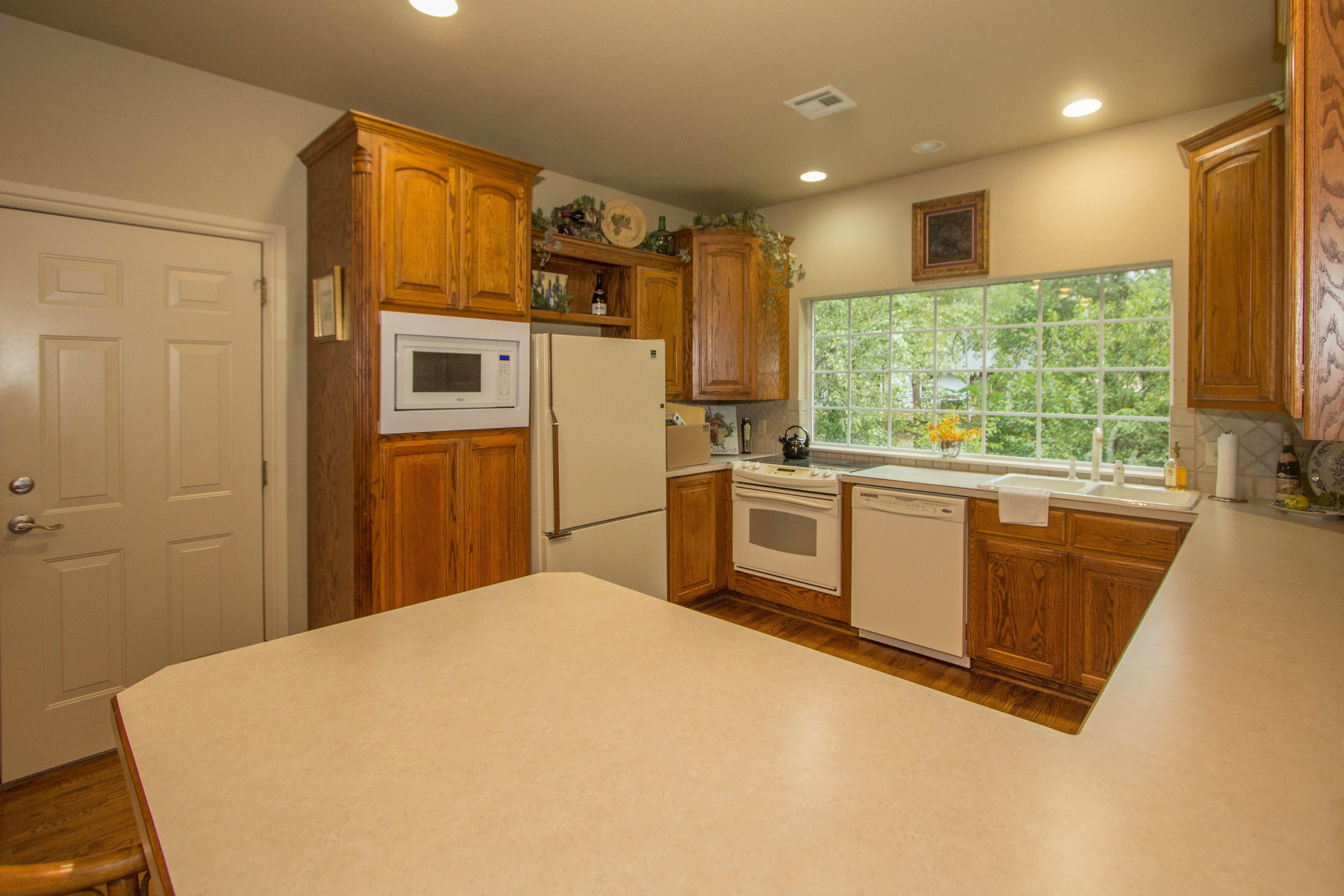 420 Fox Wood Drive Property Photo 12