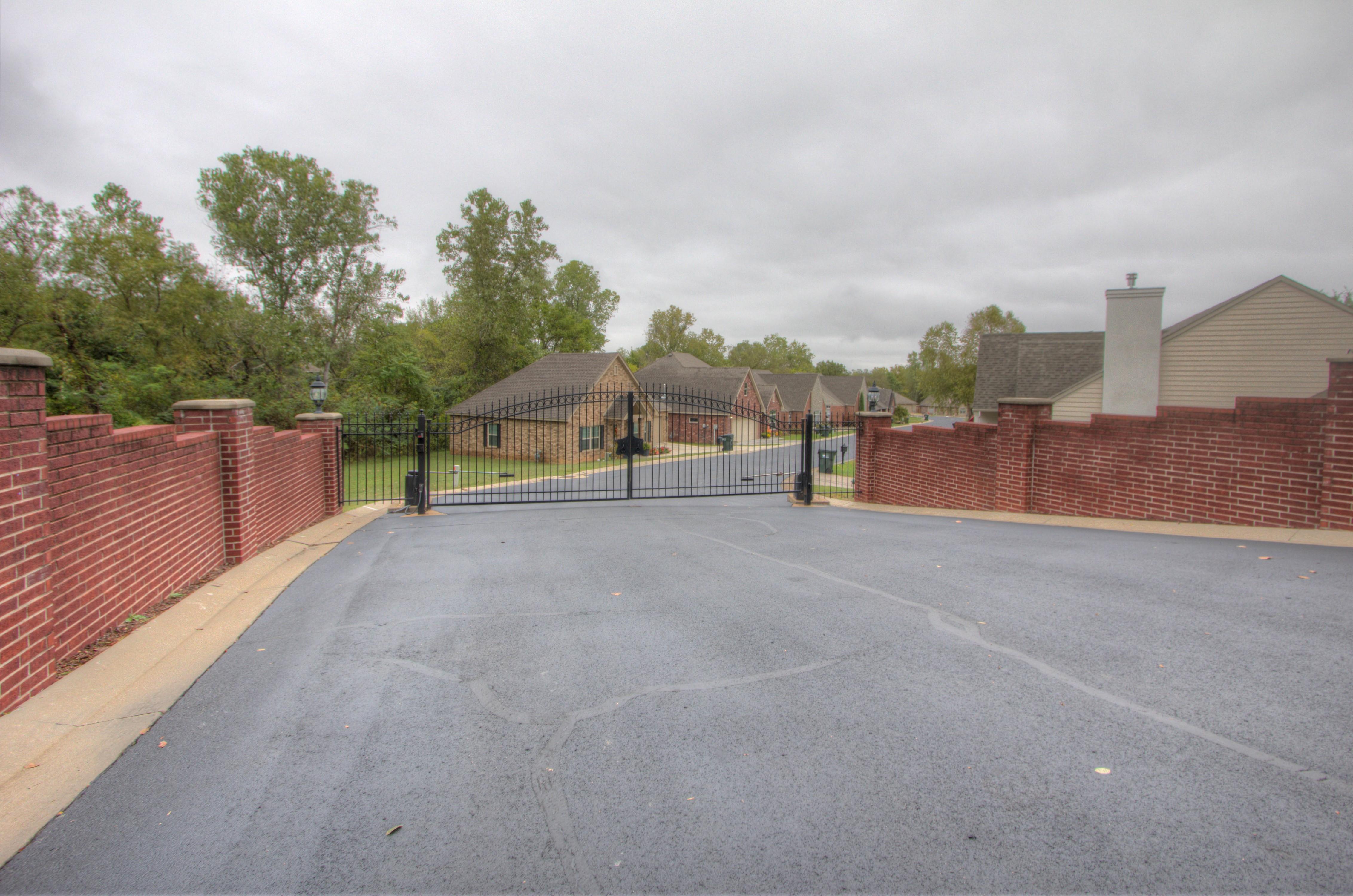 420 Fox Wood Drive Property Photo 29