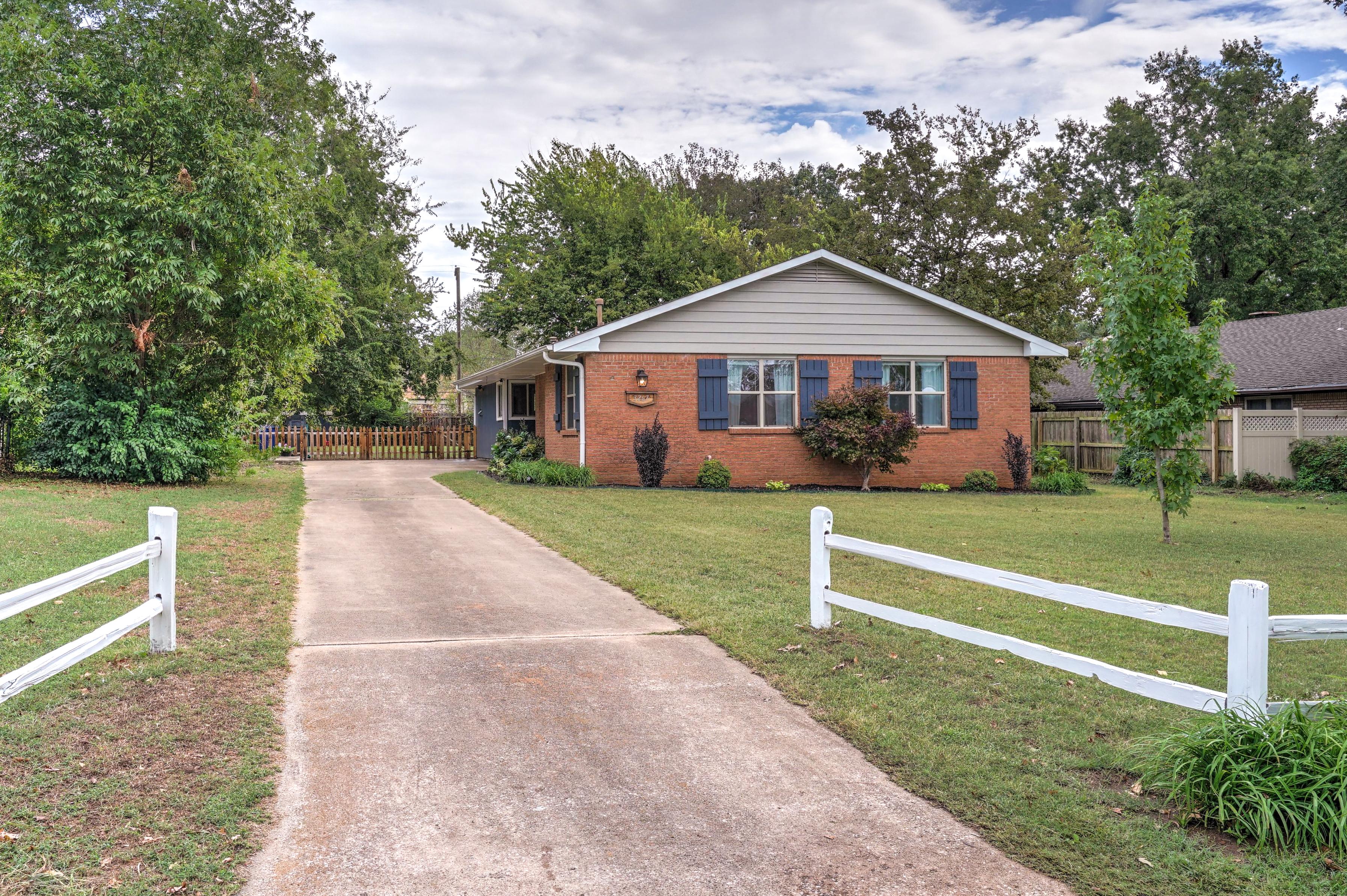 3267 S Erie Avenue Property Photo 1