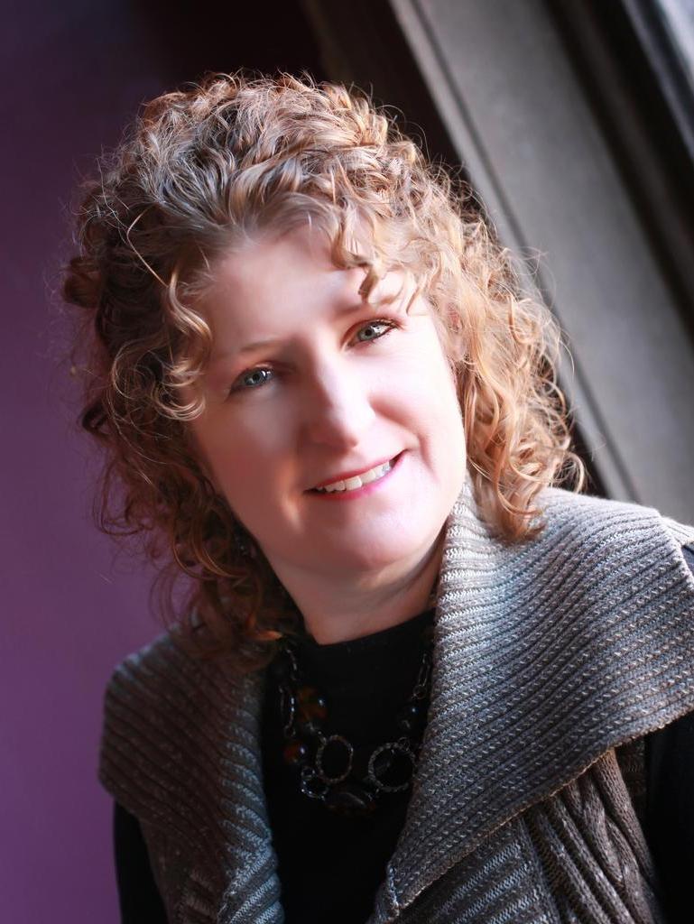Sue Thompson Profile Image